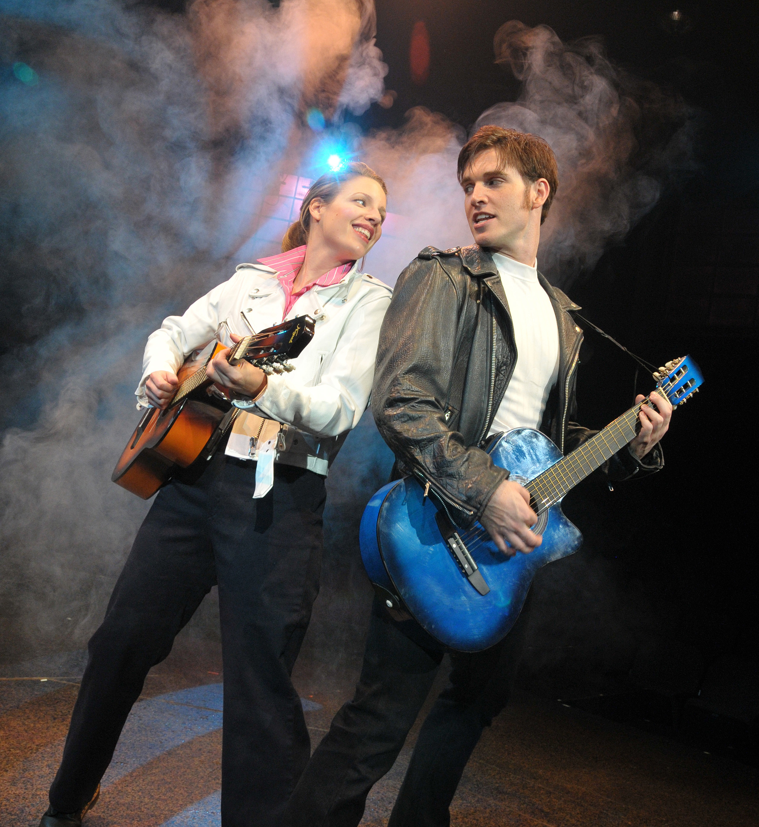 all shook up the musical reviews All shook up is a jukebox musical with elvis presley music, with a book by joe dipietro curtain up review, march 19, 2005 - all shook up, a curtainup review :.