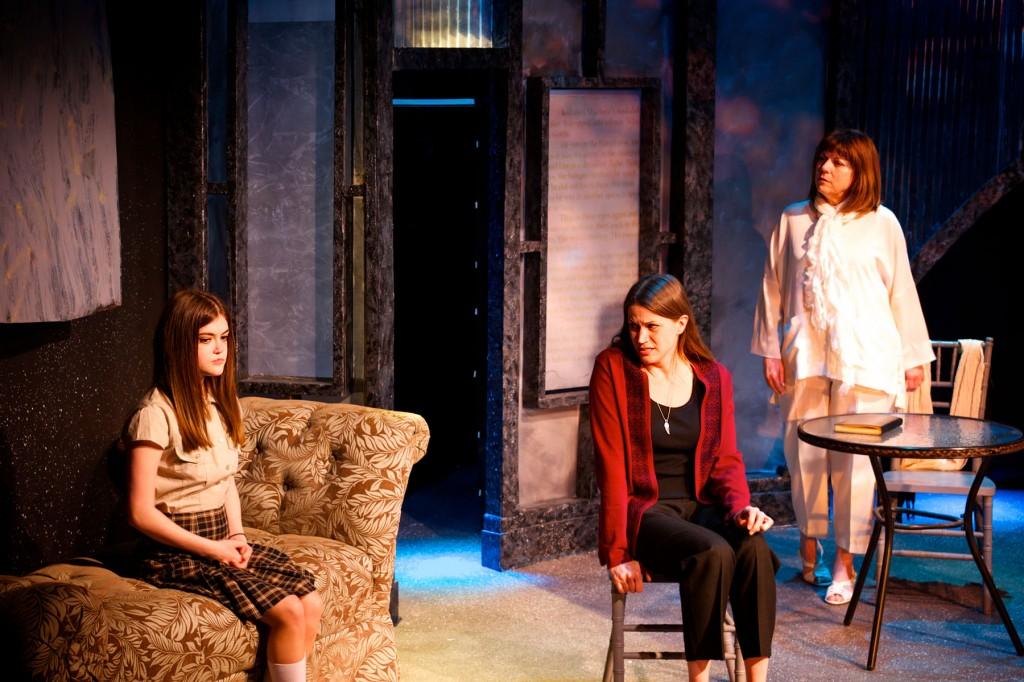 (l-r) Sarah Eddy,      Sheila Willis and Ellyn Nugent/Photo: Jackie Jasperson